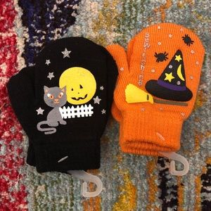Other - 2 pack of Halloween Gripper Mittens